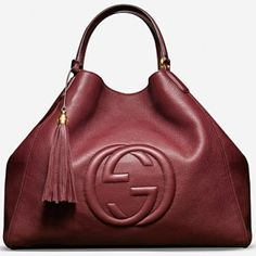 Gucci Fall 2012 Handbags - Jazz up your wardrobe with fabulous modern yet versatile accessories that will make standing out a fairly simple matter. Take a look at the Gucci fall 2012 handbag collection for a few fun style suggestions to use as inspiration.