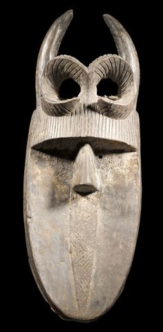 Africa | Angbai mask from the Poro society. Toma people of Guinea | Wood