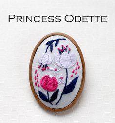 『オデット姫』ブローチ刺繍キット | net store ~アンナとラパン