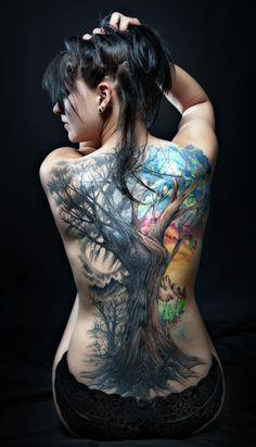 12 Ultra prettty Tree Tattoos on Back