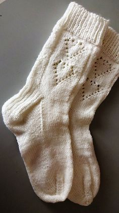 Ravelry: Sweetheart socks pattern by Annie Lewis Marion Knitting For Charity, Knitting Help, Knitting Videos, Knitting Socks, Baby Knitting, Knit Socks, Lacey Knitting Patterns, Knit Patterns, Crochet Patron