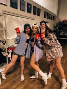 Frat Boys Halloween Costume, Easy College Halloween Costumes, Cute Group Halloween Costumes, Dorothy Halloween Costume, Boy Costumes, Halloween Costumes For Teens Girls, Halloween Outfits, Halloween 2020, Cute Best Friend Costumes