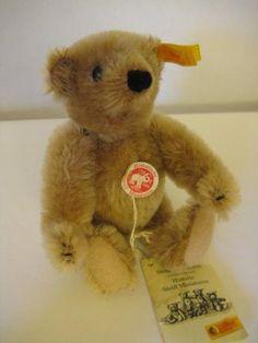Steiff Vintage Historic Miniature - Cinnamon Bear - EAN 029073 - 1992 to 1997 Cinnamon Bears, Ear Tag, Close Up Pictures, Etsy App, Hang Tags, Hand Stitching, Adoption, Miniatures, Teddy Bear