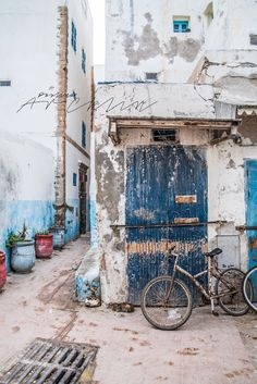 Moroccan blue and white ageing streets. #TheJewelleryEditorLoves #BlissfulBlues #travel