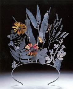 Invasive Species Tiara in oxidized Sterling silver & eighteen carat gold by Jan Yager. Victoria and Albert Museum. Ideas Joyería, Bijoux Art Deco, Gold Tiara, Look Boho, The Design Files, Circlet, Vanitas, Victoria And Albert Museum, Tiaras And Crowns