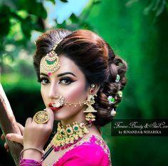 Bengali Bridal Makeup, Pakistani Bridal Jewelry, Bridal Eye Makeup, Bridal Nose Ring, Bridal Hair Buns, Bridal Looks, Bridal Make Up, Desi Bride, Glamorous Makeup