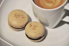 Kaffemakron Coffee Macaron, Vanilla Macarons, Macaron Flavors, Cake Bars, Small Cake, Some Recipe, Espresso Coffee, Base Foods, Chocolate Ganache
