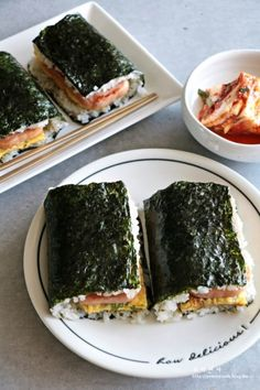 Crumble of fish and tomatoes - Healthy Food Mom Köstliche Desserts, Delicious Desserts, Yummy Food, Gourmet Recipes, Snack Recipes, Cooking Recipes, Gimbap Recipe, Food Goals, Korean Food