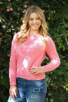 Sasha Pieterse looks cute in this behind-the-scenes photo from next week's episode! #PLL