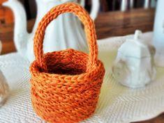 Finger Knit SPring Basket