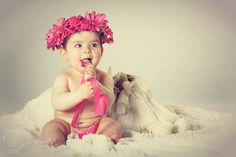 Les Bèbès | Fotografie per mamme in attesa, neonati, bambini e famiglia.  Raccontiamo, attraverso le immagini,la storia del vostro bambino.  In foto Azzurra, meravigliosa con i suoi occhioni verdi! © all reserved - 2016  #bebephotography #baby #babyphotography #fotografiebambini #babyphotoshoot #bambini #fotobambini #babybook #albumdeiricordi #newbornphotography #newbornph #lesbebes #newborn #photography #trattidamore #antonypepestudio #Puglia #Italy