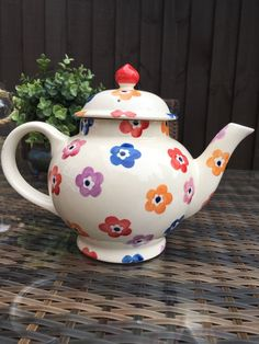Bright Flowers 4 Cup Teapot 2005 (Discontinued)