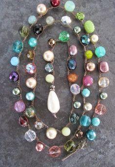 Uncinetto lunga involucro colorato collana - Party On - multi colore perla vetro cristallo divertimento festivo avvolgere collana all'uncinetto di slashKnots