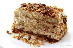 Un desert fin, putin crocant dat de nucile caramelizate si moale la interior datorita cremei mascarpone. Tiramisu, Banana Bread, Interior, Desserts, Food, Mascarpone, Tailgate Desserts, Deserts, Design Interiors