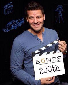 David Boreanaz directed the #200th episode of Bones.