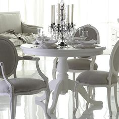 Dining Room Inspiration: Louis Chairs covered in grey velvet, sprayed in off white Dining Room Sets, Dining Room Table, Table And Chairs, Dining Chairs, Dining Area, Home Decor Furniture, Painted Furniture, Furniture Ideas, Coaster Furniture