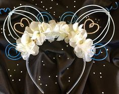 Unique handmade Mickey Ears, Flower Crowns & Hair Clips by Disney Diy, Diy Disney Ears, Disney Minnie Mouse Ears, Disney Bows, Disney Crafts, Cinderella Disney, Disney Ears Headband, Disney Headbands, Diy Headband