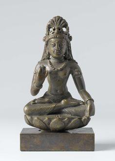 The bodhisattva Maitreya, anonymous, 700 - 900 - Rijksmuseum Bronze Sculpture, Sculpture Art, Indian Temple, Buddhist Art, Swat, Indian Art, Namaste, Buddha Statues, Lotus Leaves