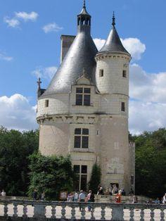 Chenonceau-TourMarques - Zamek Chenonceau Tower House, Castle House, Medieval Houses, Medieval Castle, Small Castles, French Castles, Scotland Castles, Beautiful Castles, Travel Oklahoma