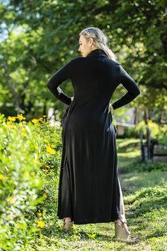 Maxi Cardigan – fashionnavela Maxi Cardigan, Chilly Weather, Black Fabric, High Neck Dress, Coats, Autumn, Winter, Jackets, Outfits