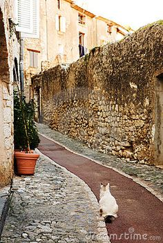 Village of St Paul ~ Provence - oh the places i'll go again <3
