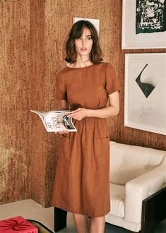 Parisienne Chic, Mid Length Dresses, Shoulder Length Hair, Powder Pink, Madame, Street Chic, The Dress, Capsule Wardrobe, Dress To Impress