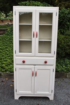 Elizabeth & Co.: Classic Red & White Cabinet