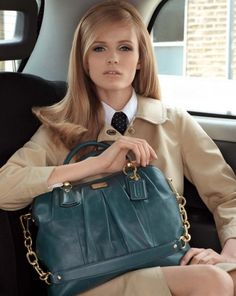 so sophisticated! She has a kind of Charlotte Deneuve look Coach Purses, Coach Bags, Coach Handbags, Classic Style, Style Me, Prep Style, Classic Fashion, Retro Style, Hair Style