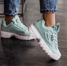 Sneakers Fashion Outfits, Mode Outfits, Fashion Shoes, Pretty Shoes, Cute Shoes, Me Too Shoes, Dream Shoes, New Shoes, Cute Sneakers
