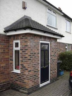 porch extension with toilet Porch Uk, House Front Porch, Small Front Porches, Porch Doors, Enclosed Porches, Porch Entry, Porch Extension With Toilet, Garage Extension, Side Extension