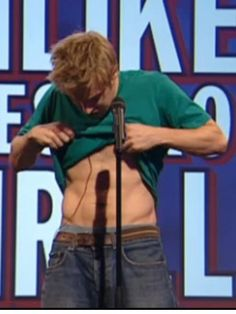Russell Howard. I seriously would never have guessed this is what he looked like body-wise.