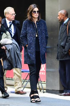 Looking good: Sandra Bullock, looked stylish in a textured blue coat and teetering black heels Shoulder Length Blonde, Frilly Shirt, Grey Trench Coat, Helena Bonham Carter, Blue Coats, Professional Attire, Grey Cardigan, Sandra Bullock, Girl Gang