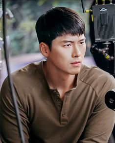 Korean Star, Korean Men, Korean Actors, Hyun Bin, Drama Korea, Korean Drama, Bakugou And Uraraka, Soul Songs, Ha Ji Won