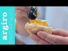 Αυτά τα λαχταριστά και αφράτα ψωμάκια της Αργυρώ Μπαρμπαρίγου με την μαρμελάδα πορτοκάλι έχουν ξετρελάνει το διαδίκτυο γιατί...