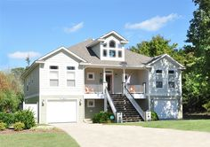 Twiddy Outer Banks Vacation Home - Four Seasons Cottage - Duck - Oceanside - 6 Bedrooms. Favorite!!
