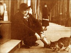Colette and her cat in the Palais-Royal arcade. [from: Judith Thurman, Secrets of the Flesh: A Life of Colette I Love Cats, Crazy Cats, Cool Cats, Patricia Highsmith, Celebrities With Cats, Cat Bath, Nobel Prize In Literature, Colette, Cat People