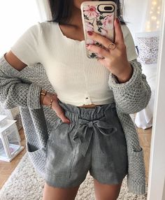 I think that this style of shorts is adorable and I'd love to try it out in a fun print or color!