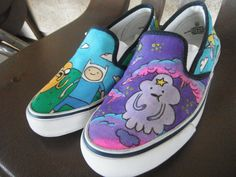 Totally Awesome Adventure Time shoes i want these! Cool Vans Shoes, New Shoes, Me Too Shoes, Vans Sneakers, Adventure Time Shoes, Adventure Time Princesses, Painted Canvas Shoes, Hand Painted Shoes, Regular Show