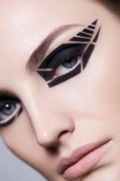 makeup beauty Maxine Vanderheijden by Miguel Herrera & Jen Evans: Eyeliner Make-up, White Eyeliner Makeup, Makeup For Green Eyes, Makeup Inspo, Makeup Art, Makeup Inspiration, Eye Makeup, Makeup Trends, Make Up Looks