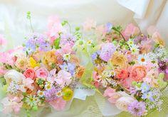 こちらは京王プラザホテル様へ、 贈呈花としておつくりしたプリザーブドフラワーです。 WITHうさぎ。 こちらは明るい色みで、...