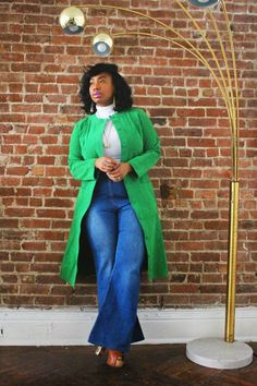Kelly Augustine: 1970's Inspired: Flare 70s Fashion, I Love Fashion, Curvy Fashion, Plus Size Fashion, Girl Fashion, Fashion Vintage, Plus Size Fall Outfit, Plus Size Outfits, Flare Jeans Outfit