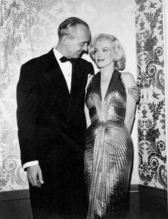 Hello and Welcome to the Marilyn Monroe Fan Site. Take a peek through the fine collection of Marilyn Monroe videos, photographs and gifs. Viejo Hollywood, Old Hollywood, Hollywood Actresses, Classic Hollywood, Becoming An Actress, Gentlemen Prefer Blondes, Marilyn Monroe Photos, Norma Jeane, The Most Beautiful Girl