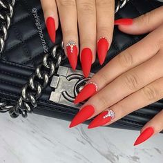 Matte Red Stiletto Nails with Crystals Nails 41 Pretty Ways to Wear Red Nails Red Stiletto Nails, Glam Nails, Cute Nails, Pretty Nails, Nails Yellow, Red And Gold Nails, Bright Red Nails, Red Tip Nails, Red Sparkly Nails