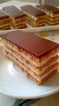 Diós- mézes- tejszínes- csokis! Ha tudnád, milyen finom... - Ketkes.com Hungarian Desserts, Hungarian Recipes, Cookie Desserts, Dessert Recipes, Poppy Cake, Sweet And Salty, Sweet Tooth, Bakery, Food And Drink