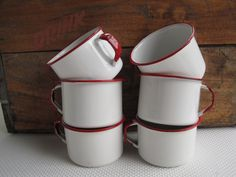 http://www.thematerialreview.com/post/1450504862/six-pack-of-enamel-mugs-i-just-bought-em