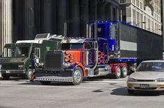 Optimus-Prime-Peterbilt