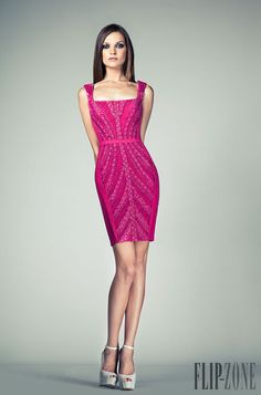 Tony Ward - Prêt-à-porter - Primavera-Verão 2014 - http://pt.flip-zone.com/fashion/ready-to-wear/independant-designers/tony-ward-4292