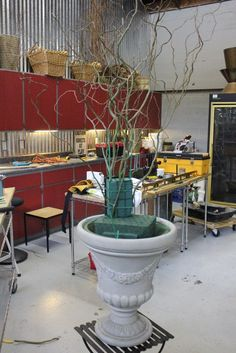 how to make a large scale urn arrangement flowers floral design huge class tutorial diy altar escort card table curly willow