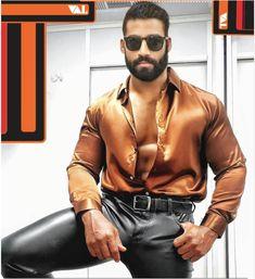 Mens Leather Pants, Satin Shirt, Sexy Shirts, Muscular Men, Satin Top, Mens Fashion Suits, Hot Boys, Gorgeous Men, Leather Fashion