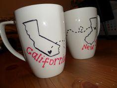 diy mugs ill make minnesota and florida though! Cup Crafts, Diy Crafts For Gifts, Ceramics Tile, Porcelain Ceramics, Diy Mugs, Mug Art, Christmas Planning, Friend Mugs, Do It Yourself Crafts